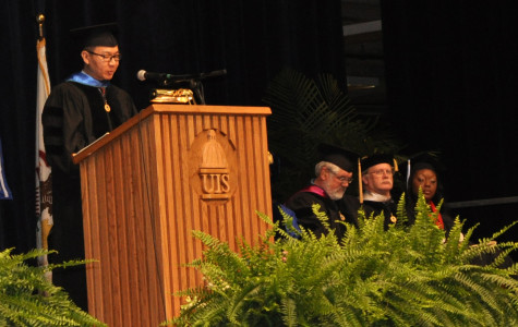Wen Huang returns to UIS, shares experiences with 2012 Graduates