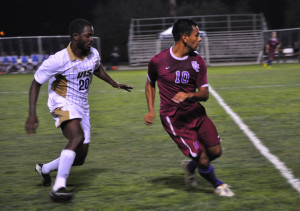 Men's soccer wins homecoming game, starts weekend off right