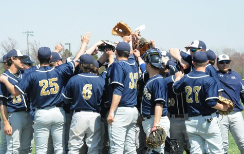 Weekend ends in a split for UIS baseball