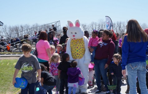 UIS athletics hosted Easter egg hunt
