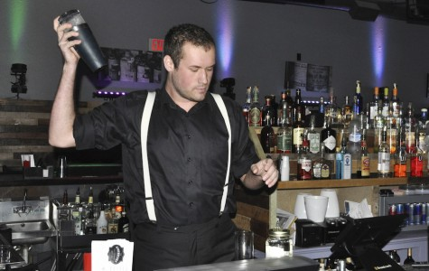 New downtown bar fuses dive and nightclub