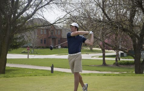 Men's golf secures semi-final bid in GLVC tournament