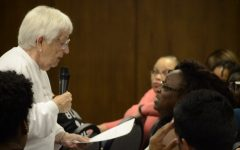 Educator Jane Elliot presents at UIS, meet with protestors