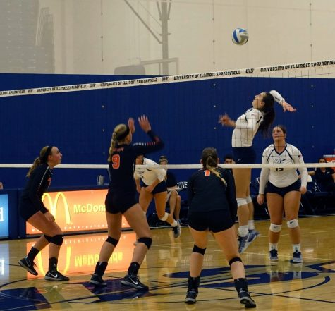 Volleyball Team overpowers Greenville, wins second straight