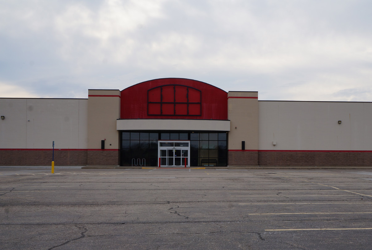 Vacant Sports Authority building in Springfield