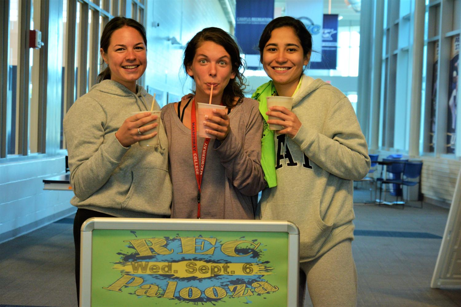 Attendees+enjoy+smoothies+at+REC-a-Palooza
